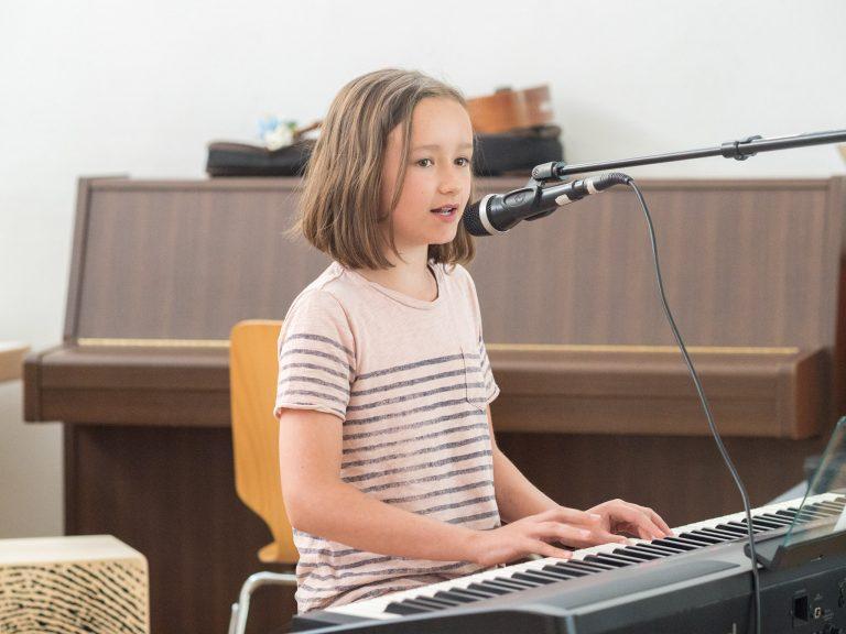 Klavier Liedbegleitung für Kinder Sommerfest 2018