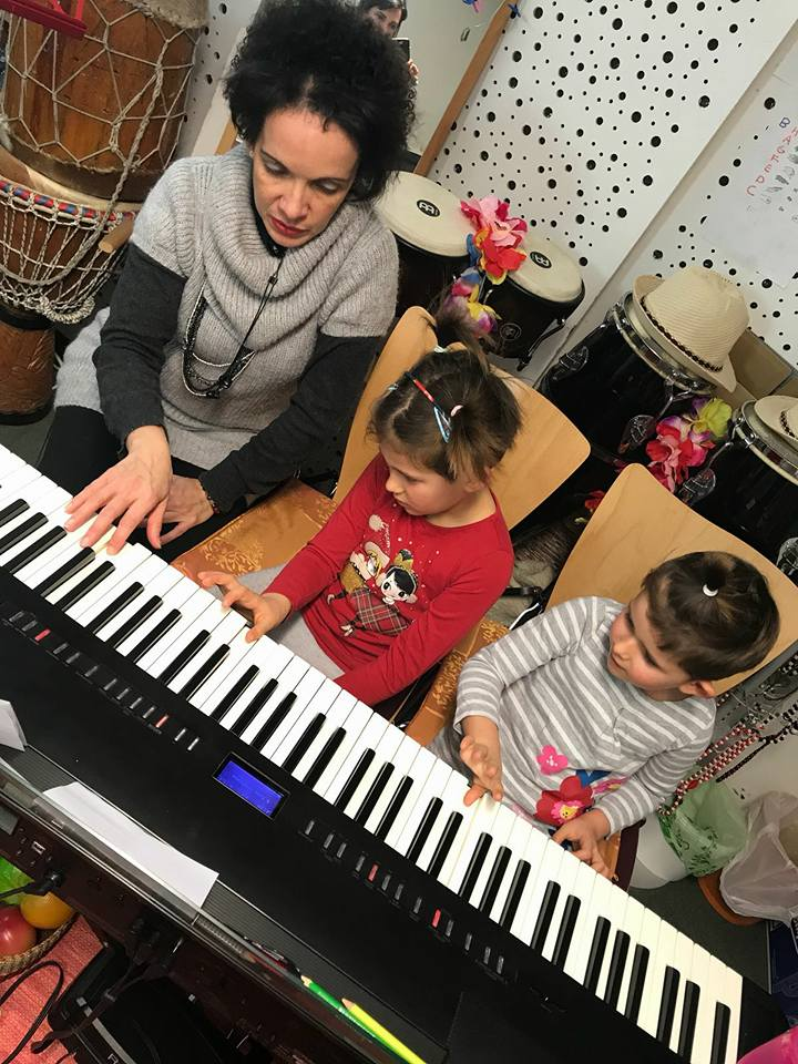 Piano acompañante para niños