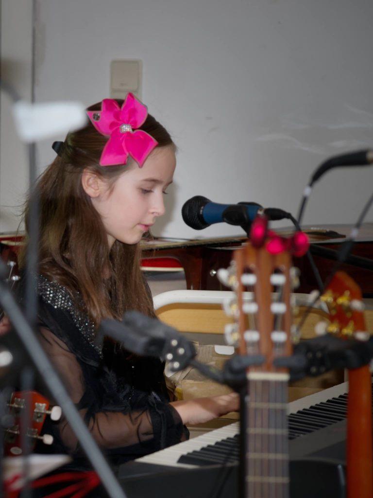 Klavier Liedbegleitung für Kinder Weihnachtskonzert 2017